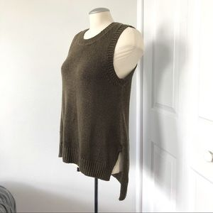 Knitted top w/side slits